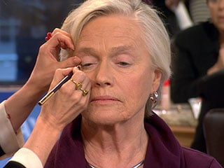 applying makeup is caring for parent with dementia at home