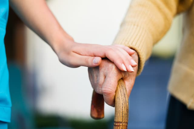 How to Know When It's Time to Move to Assisted Living Communities